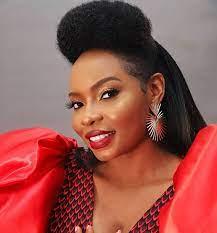Yemi Alade bags an award for Best Female Artist in Africa -Www.djitunez.com